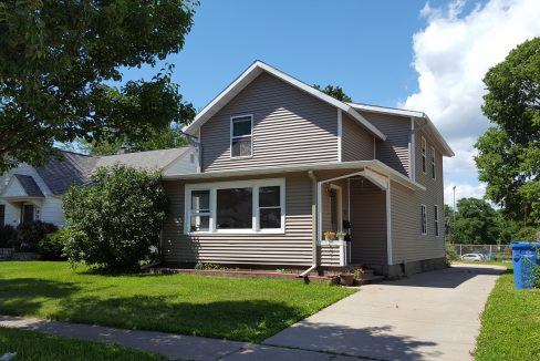 816 W 5th St. Apt. 1 Winona